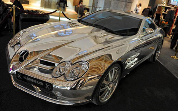Is this McLaren SlR 18k white gold?
